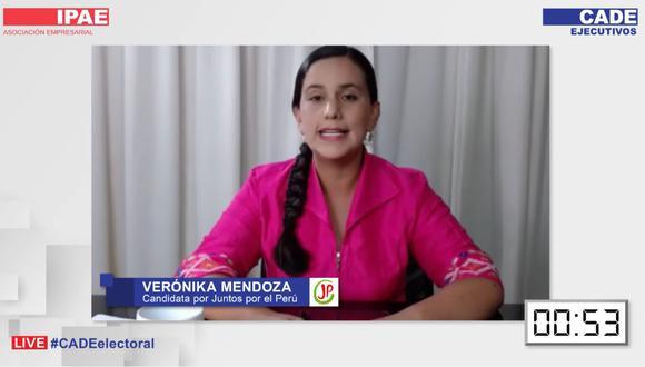 Verónika Mendoza participó en CADE Electoral