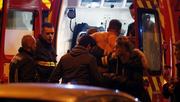 El incendio se produjo en un edificio de seis plantas que alberga un restaurante, un baño turco o hamam (sauna húmeda) y viviendas, precisó un portavoz de los bomberos de París.(Foto: EFE)