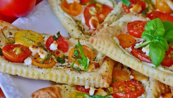 Existen una infinidad de recetas dulces y saladas que incluyen masa de hojaldre. (Foto: RitaE / Pixabay)