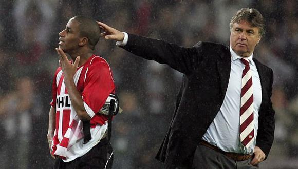 Guus Hiddink se refirió a su ex dirigido Jefferson Farfán, quien regresa a Alianza Lima. (Foto: AFP)
