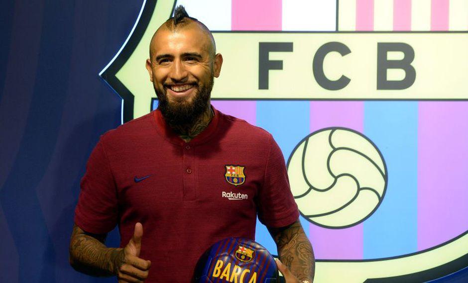 Arturo Vidal en la sede del FC Barcelona. (AFP)