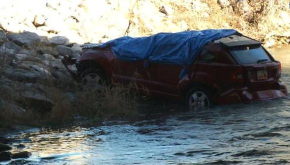 EE.UU.: bebé sobrevivió 13 horas en auto que cayó a río helado