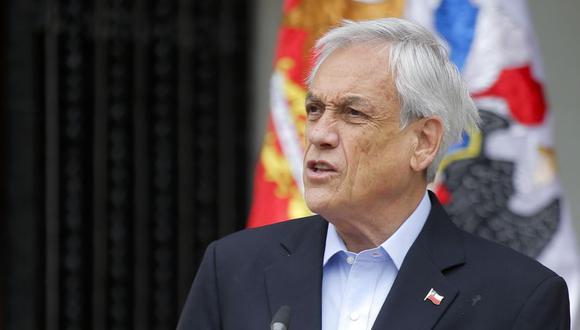 Visiblemente sorprendido por el movimiento social, el presidente de Chile, Sebastián Piñera, tuvo que renunciar a sus mayores aspiraciones internacionales y cancelar la organización de la APEC y la COP25. (Foto: EFE/Archivo)