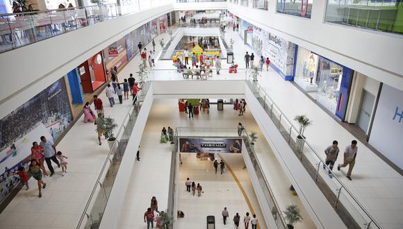Ampliar el aforo en los centros comerciales permitirá que se generen más puestos de trabajo, según Percy Vigil, experto en temas de retail. (Foto: GEC)