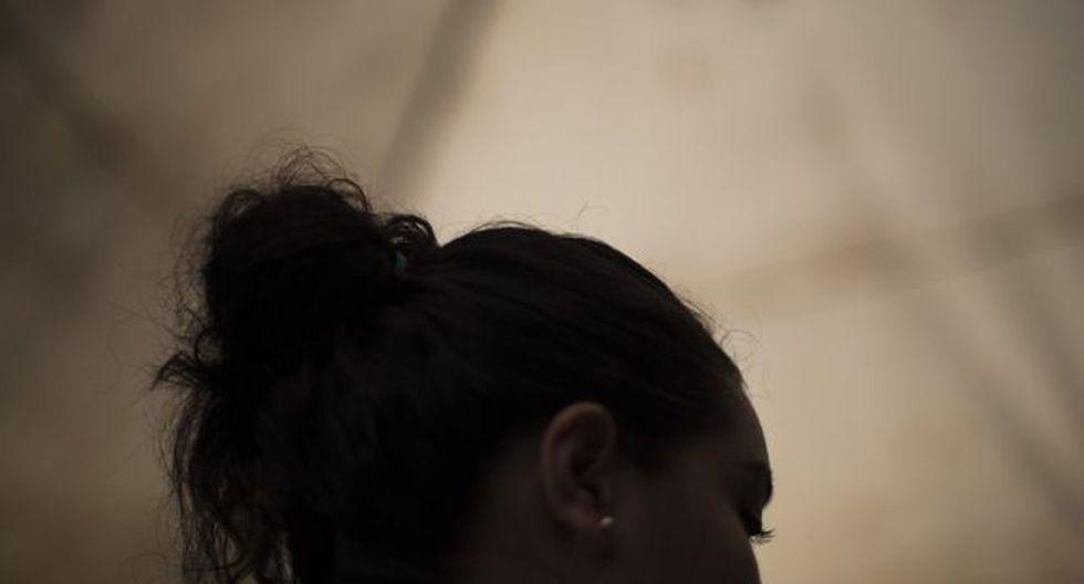 Hebe pidió ocultar su identidad y lugar de residencia por miedo a represalias de la pandilla Barrio 18 Sureños, después de que ella saliera durante siete meses con un pandillero que la acusó a ella y a 75 personas de distintos homicidios. (Oliver de Ros vía BBC)