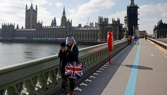 Las calles de Londres estaban desiertas durante el confinamiento. Reino Unido comienza ahora a relajar las medidas restrictivas. (Tolga Akmen / AFP).