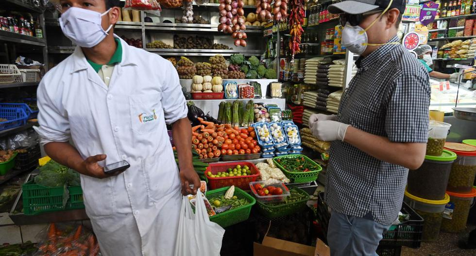 En el segmento de los microemprendedores, las finanzas de los negocios están directamente relacionadas a las de estas familias. (Foto: AFP)