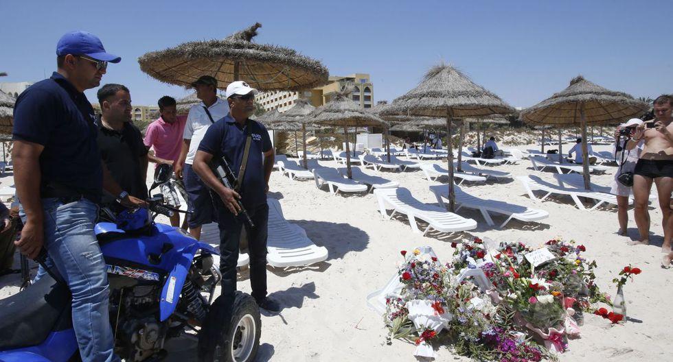 Túnez: Policía armada patrulla lugares turísticos tras atentado - 6