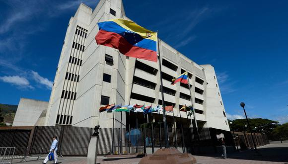 Tribunal Supremo de Justicia de Venezuela ordena la suspensión de la programación de Radio Rumbos. (Foto: FEDERICO PARRA / AFP).