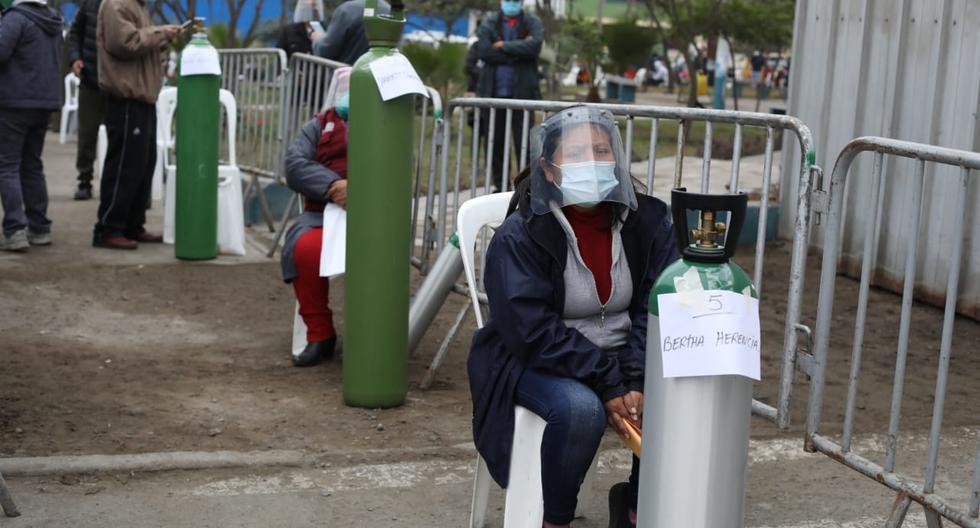En el día 136 de la emergencia por coronavirus, una planta móvil de oxígeno llegó hasta el distrito de Villa María del Triunfo para proporcionar de manera gratuita este recurso medicinal a personas que lo requieren en esta zona de Lima. (Foto: Britanie Arroyo)