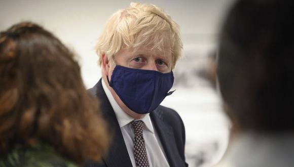 El primer ministro británico, Boris Johnson, es visto en Falmouth, Inglaterra, el jueves 10 de junio de 2021. (Foto: Leon Neal / AP)