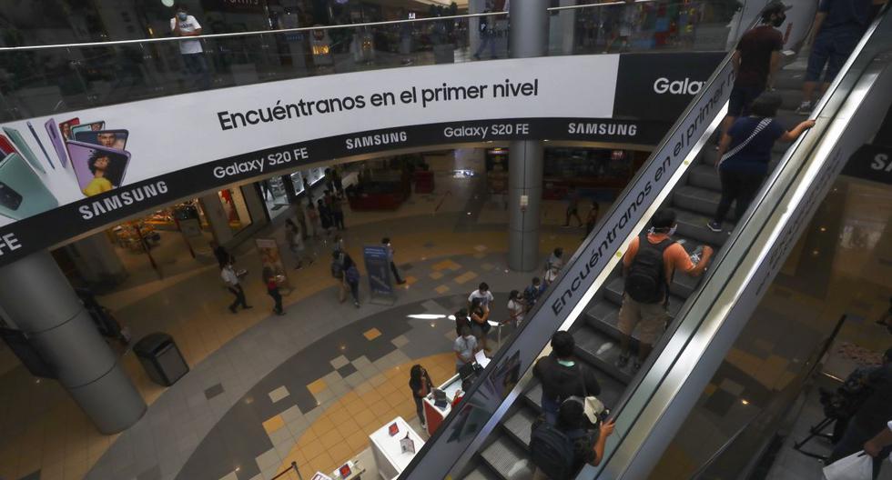 Gobierno dispuso que los restaurantes y afines en zonas internas (con ventilación) en provincias calificadas en nivel extremos está permitido el aforo al 30%.  (Foto: Gonzalo Córdova / GEC)