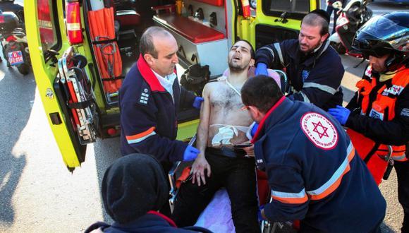 Terror en Israel: sujeto apuñaló a nueve personas en un bus