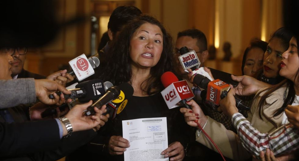 La congresista Yesenia Ponce ha sido acusada de mentir en su hoja de vida.  (Foto: GEC)
