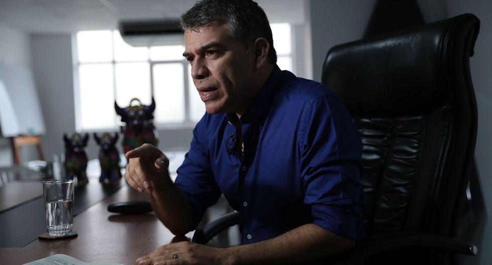 """""""Quien tiene que enviar su carta de renuncia formal es el señor Mora"""", insistió Julio Guzmán. (Foto: GEC)"""