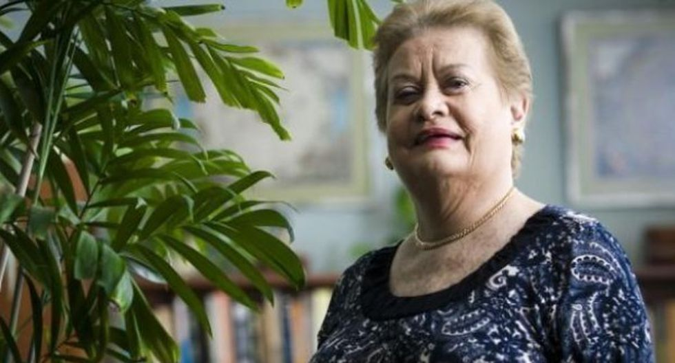 """Martha Hildebrandt: el significado de """"Barajarla"""""""
