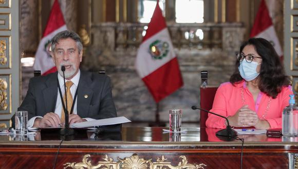 El presidente Francisco Sagasti y la ministra Violeta Bermúdez en una imagen de la conferencia de prensa celebrada en la tarde de ayer. (Foto: Twitter @presidenciaperu).