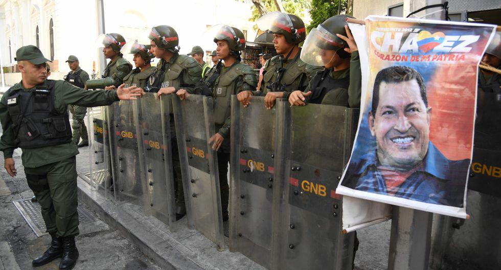 Venezuela: Asamblea Nacional sigue tomada por militares de la GNB antes de la sesión convocada por Juan Guaidó. (AFP).