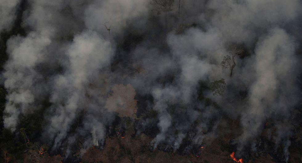 El humo se agita durante un incendio en un área de la selva amazónica cerca de Porto Velho, estado de Rondonia, Brasil, Brasil, 21 de agosto de 2019. (Foto: Reuters).