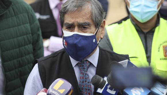 El titular de Salud, Óscar Ugarte, explicó que esta decisión se da a raíz que en Lima ya se ha detectado un caso de la variante india (Delta). (Foto: El Comercio)