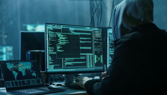 Los delincuentes en línea o hackers usan distintos tipos de fraudes para acceder a información personal de los usuarios online. (Foto: iStock)