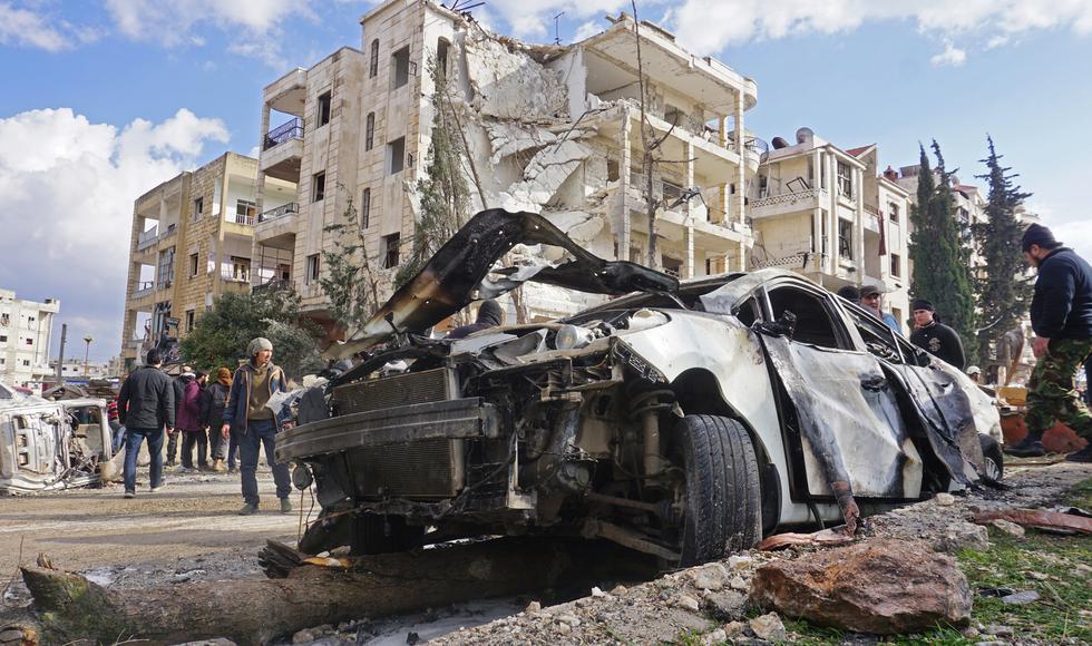 Dos coche bomba causaron muertes y pánico en la ciudad siria de Idlib. Foto: AFP