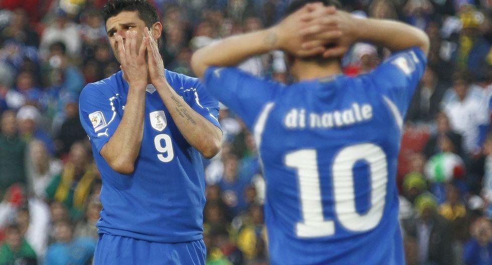 Italia vivió una situación similar en Sudáfrica 2010, cuando empató dos partidos y perdió el último ante Eslovaquia. (Foto: Reuters )