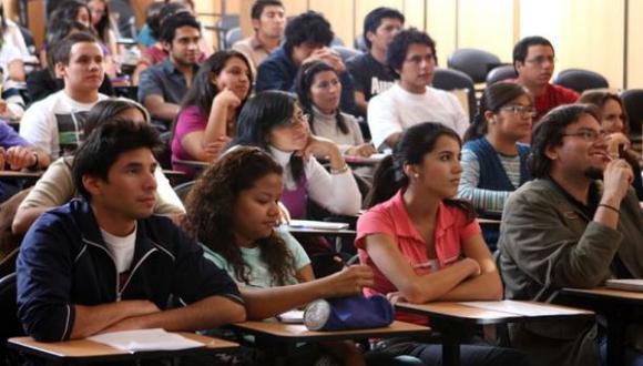Becas. Miles de jóvenes de baja condición económica pueden acceder a universidades privadas gracias a ayudas estatales como Beca 18. (Foto: Difusión)