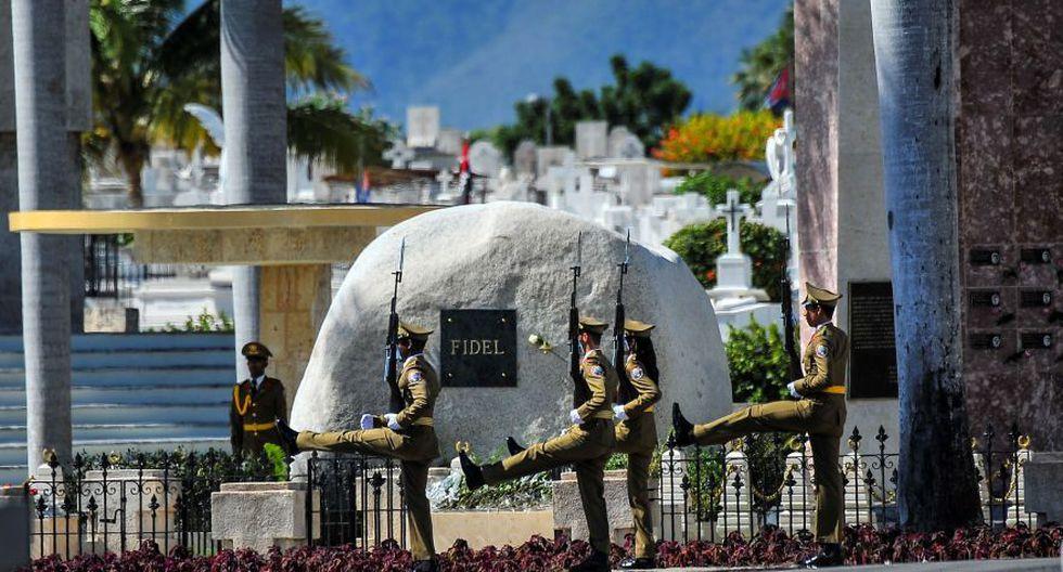 Así fue enterrado Fidel Castro en Santiago de Cuba [FOTOS] - 7