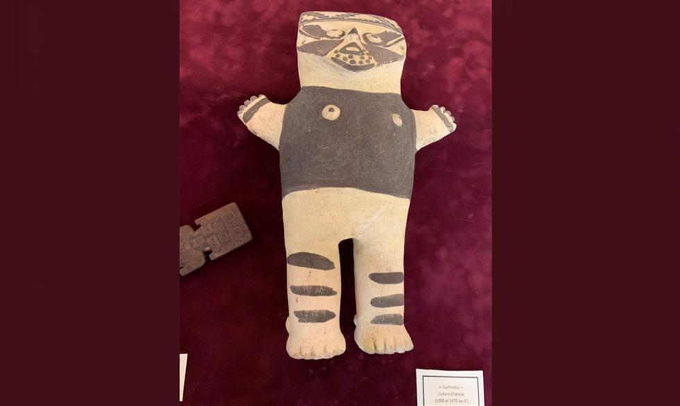 Francia devolvió a Perú tres valiosas piezas arqueológicas de las culturas precolombinas Chancay y Chimú. (Foto: Hugo Coya/ Twitter)