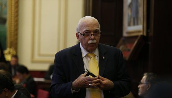 El vocero de Fuerza Popular, Carlos Tubino, reiteró su pedido para que se evalúe la creación de nuevas bancadas. (Foto: GEC)