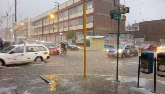 Huancayo: viviendas y colegios afectados por lluvia y granizada
