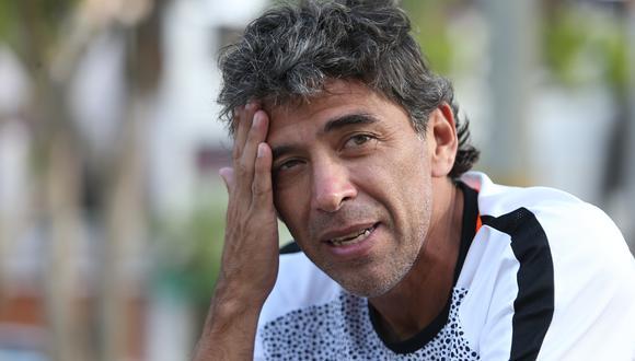 Juan Carlos Bazalar (52 años) asumió el reto de ascender por cuarta vez a la Primera División, ahora con Credicoop San Román en la Copa Perú. (Foto: GEC).