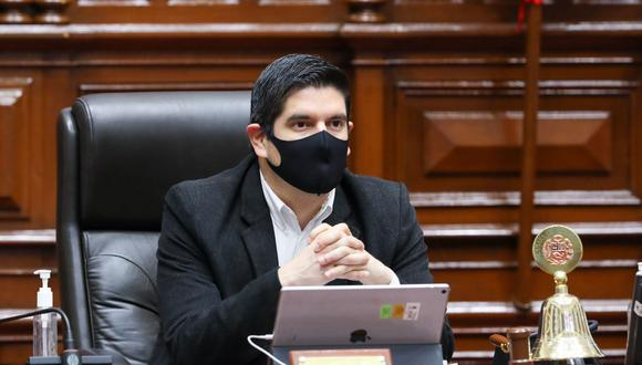 El primer vicepresidente del Congreso, Luis Roel Alva, expresó su desacuerdo con la propuesta de detener el proceso de vacunación. (Foto: Andina)