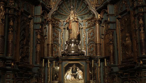 Capilla de la Virgen de la Evangelización. La imagen de la Virgen del Rosario sosteniendo al niño es la primera figura religiosa del catolicismo que llegó al Perú, en 1551, donada por el Rey Carlos V.  (Foto: ANTHONY RAMIREZ NIÑO DE GUZMAN)