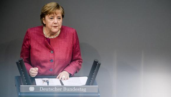 Angela Merkel anunció el endurecimiento de las medidas en Alemania para frenar la tercera ola de coronavirus. (Foto: EFE/EPA/CLEMENS BILAN)