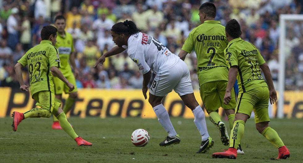 Ronaldinho fue aplaudido en el Azteca como en el Bernabéu - 8