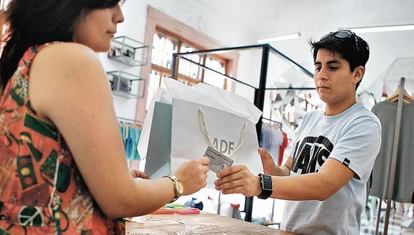 Cae el número de deudores jóvenes pero sube su crédito promedio