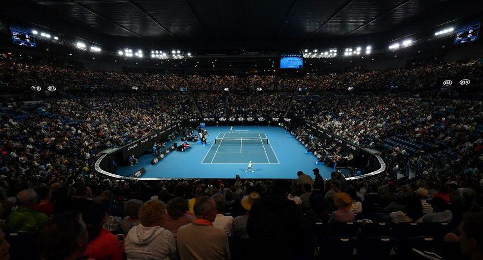 Serena Williams, Roger Federer y Novak Djokovic sellaron su pase a la segunda ronda del Australian Open. (Foto: AFP)