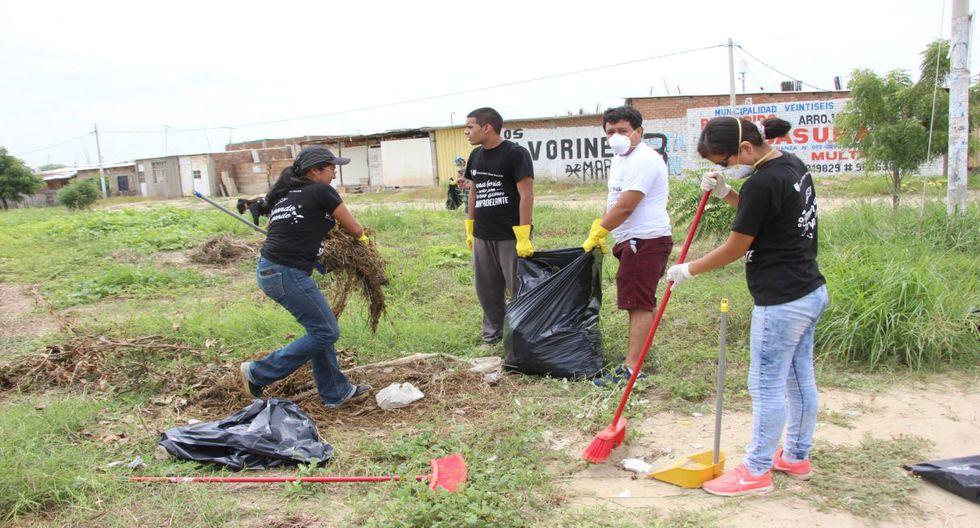Vecinos y autoridades limpian las calles de la ciudad de Piura  - 3