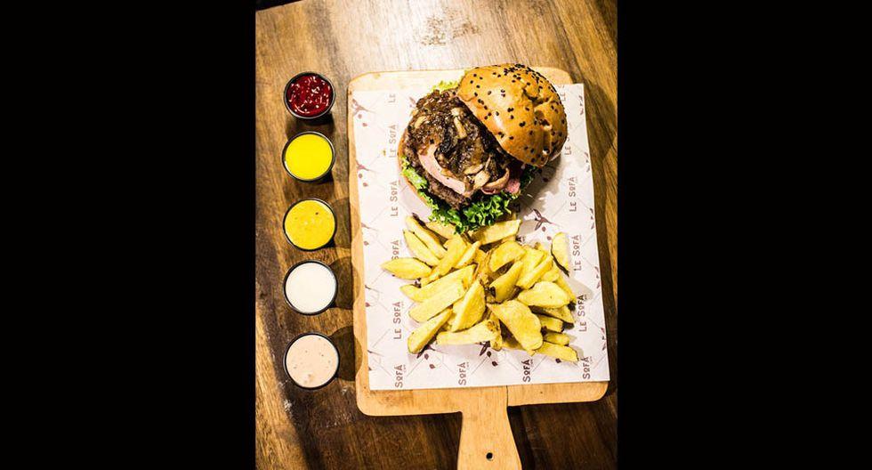 Le Sofá. Entre S/11 y S/14 cuestan las hamburguesas. Incluyen papas amarillas fritas.(Foto: César Campos)
