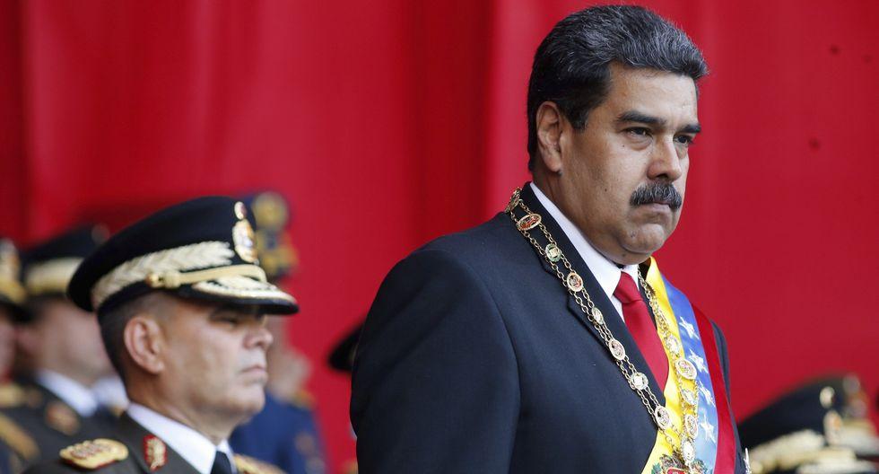 ¿Llegó la hora del cambio en Venezuela? No tan rápido, dicen las Fuerzas Armadas. En la imagen, Nicolás Maduro junto al jefe militar Vladimir Padrino. (AP).