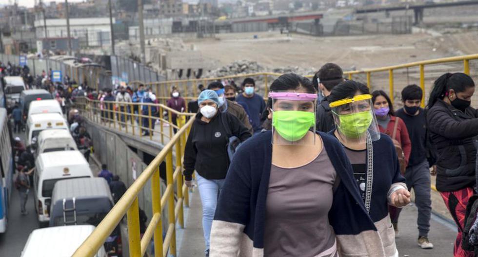 Perú superó el jueves el trágico umbral de 10.000 muertos por el coronavirus COVID-19, un día después de iniciar un desconfinamiento gradual para reactivar su semiparalizada economía. (Foto: AP / Rodrigo Abd)