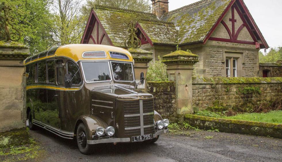 Un clásico bus Bedford OB de 1950 fue transformado en una acogedora casa rodante. El propietario, Walter Bell, lo compró de un coleccionista y decidió restaurarlo. (Foto: Ebay)