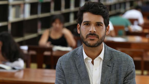 Ezio Neyra, director institucional de la Biblioteca Nacional del Perú en las instalaciones de la antigua Biblioteca Nacional, en la avenida Abancay. Foto: Rolly Reyna para El Comercio.