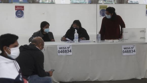 En el extranjero la segunda vuelta también se disputa voto a voto. (César Campos / @photo.gec (Referencial).