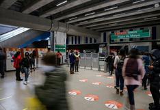 Metro de Santiago reabre sus estaciones casi un año después del estallido social en Chile | FOTOS