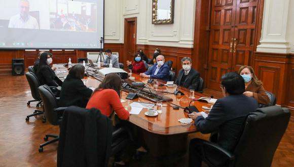 Vicente Zeballos convocó a dialogar a cinco ex primeros ministros, entre ellos estuvieron Del Solar, Cateriano, Jara, Jiménez y Fernández. (Foto: PCM)