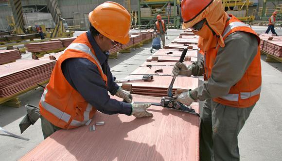 Las existencias de cobre con garantía de la LME subieron a 132.125 toneladas. (Foto: AFP)