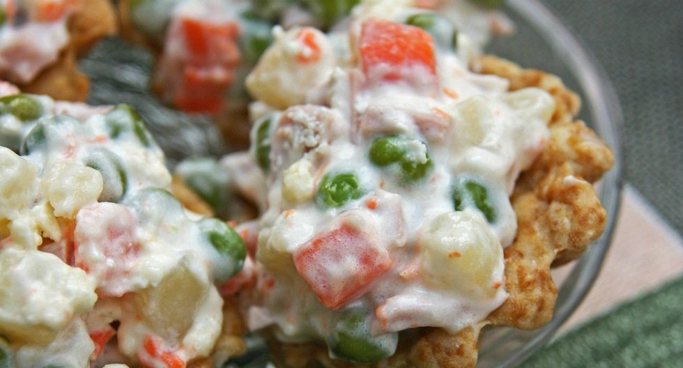 Una ensalada rusa aguada o con poco sabor puede estropear un almuerzo familiar. (Pixabay)